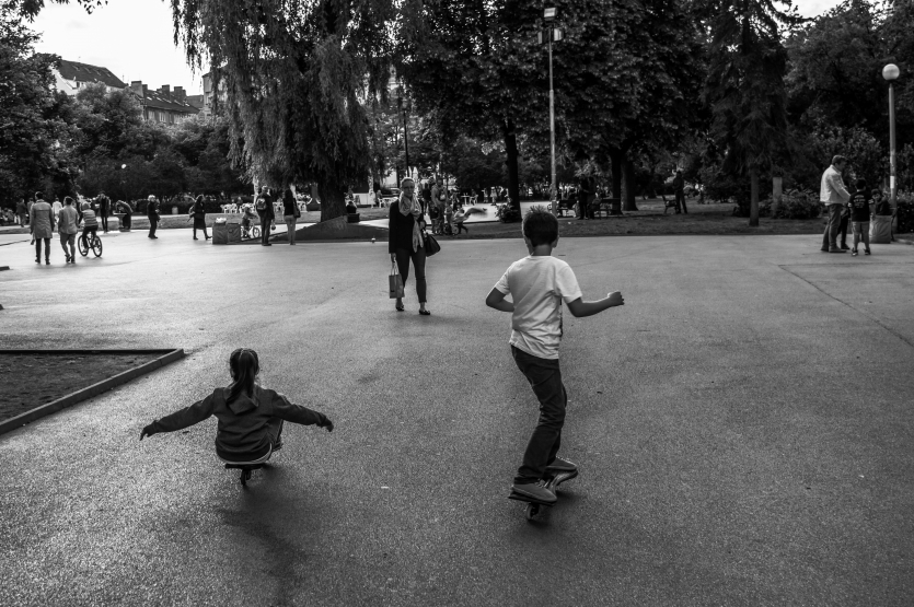 Skateing in the park