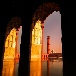 The sceneric view of Badshahi mosque in lahore, Pakistan