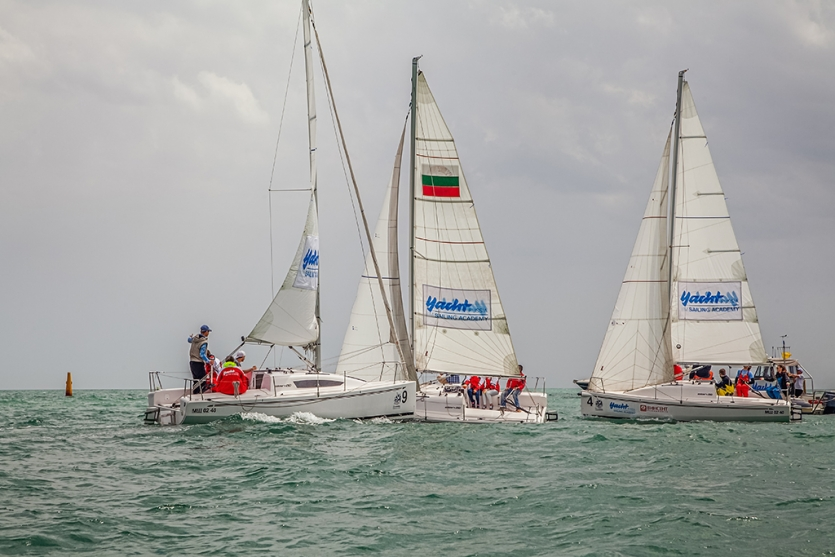 "Collision of the yachts ""Elan 210"" before start"