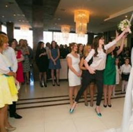 Flying while catching bouquet