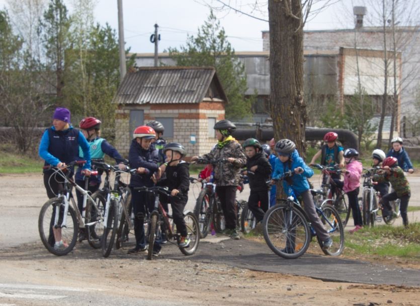 children's sport, the most massive ride on bicycles