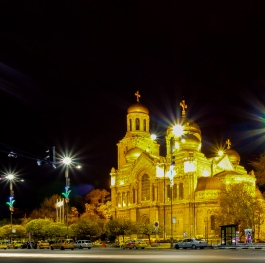 Varna, The Cathedral by night