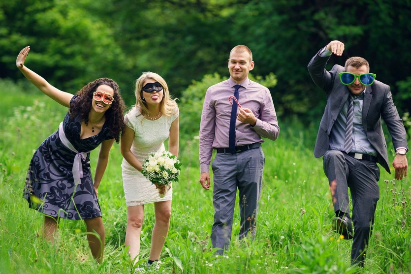 Our wedding Day with our crazy BesT Man and Maid of honour