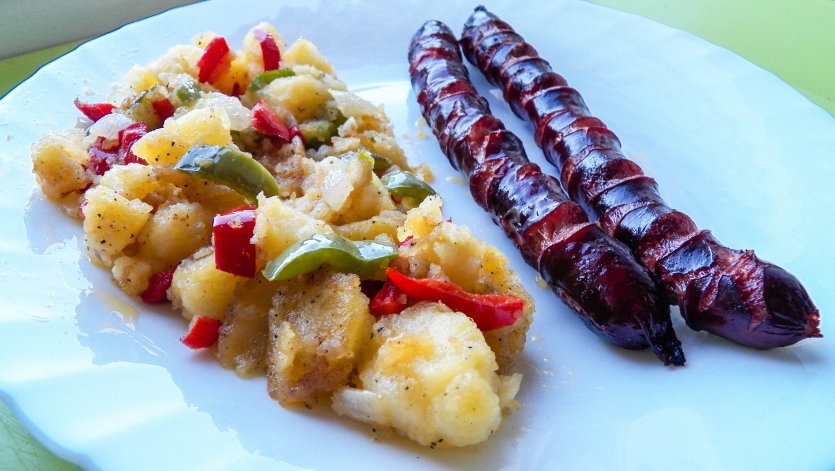 Sausage with potatoes and paprika