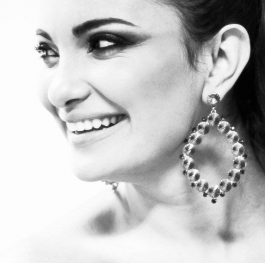 The best curve on your whole body is your smile! <3 :D