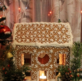 Ginger Christmas Honey Cookie House