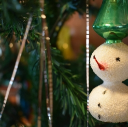 The small glass snowman.