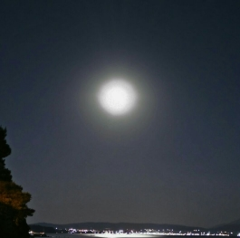 Moon over Halkidiki