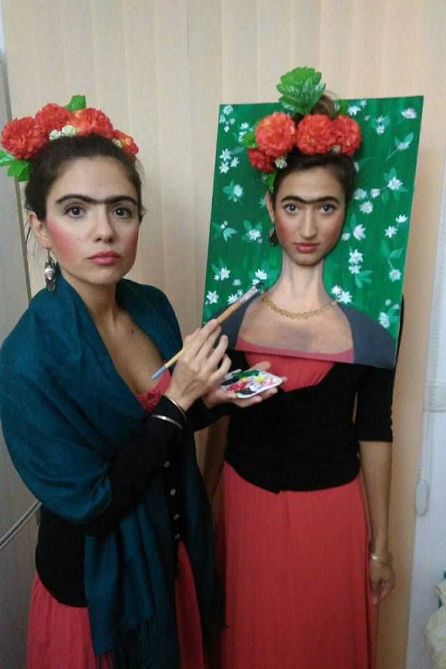 Frida Kahlo and her self portrait