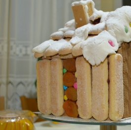 Ginger bread house part 1