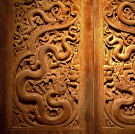 The doors of the temple Buddha.