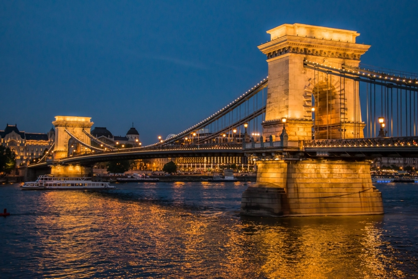 Chain Bridge at dusk