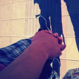 Hold my hand and never let it go<3