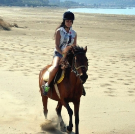 Horse riding with Zeyna