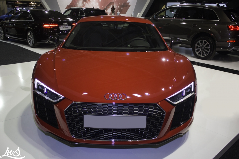 Red Audi R8