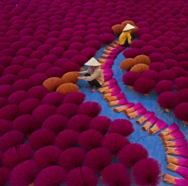Incense workers