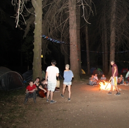 camping in park